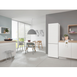 Freestanding fridge-freezers